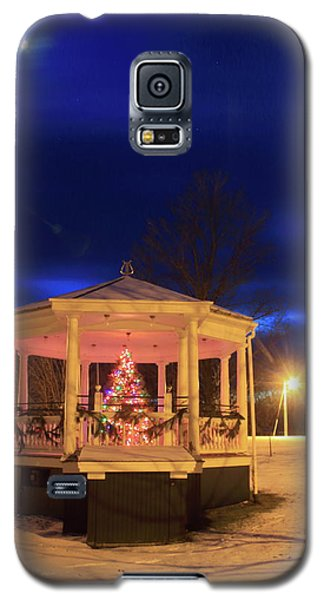 Christmas Moon Over Town Common Galaxy S5 Case by John Burk