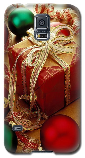 Christmas Present And Ornaments Galaxy S5 Case