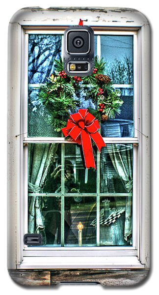 Christmas Window Galaxy S5 Case by Sandy Moulder