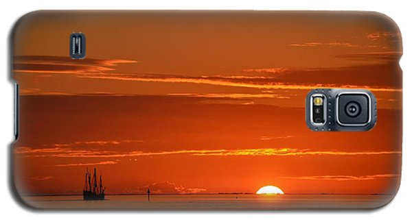 Christopher Columbus Replica Wooden Sailing Ship Nina Sails Off Into The Sunset Galaxy S5 Case