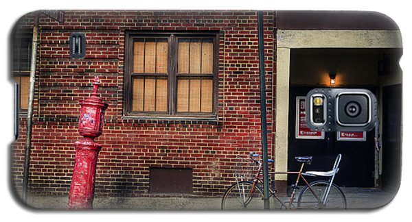 Galaxy S5 Case featuring the photograph Christopher St. Bicycle by Craig J Satterlee