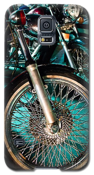 Chrome Rim And Front Fork Of Vintage Style Motorcycle Galaxy S5 Case by Jason Rosette