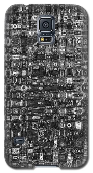 Galaxy S5 Case featuring the photograph Chromosome 22 Bw by Diane E Berry
