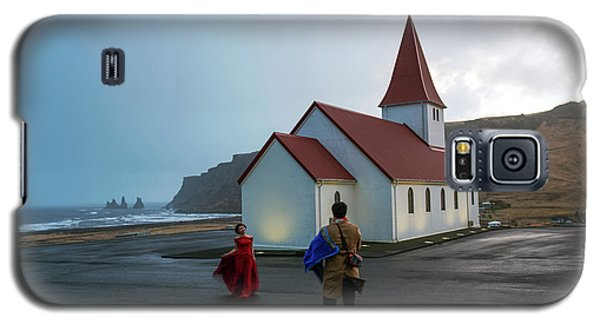 Galaxy S5 Case featuring the photograph Church Above Reynisfjara Black Sand Beach, Iceland by Dubi Roman