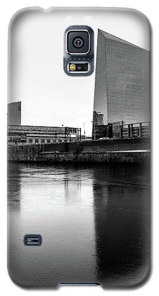 Galaxy S5 Case featuring the photograph Cira Centre - Philadelphia Urban Photography by David Sutton