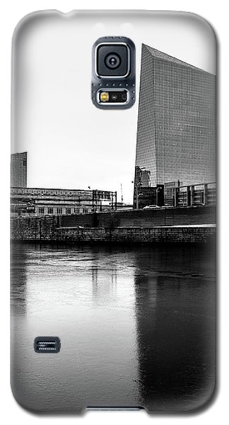 Cira Centre - Philadelphia Urban Photography Galaxy S5 Case by David Sutton