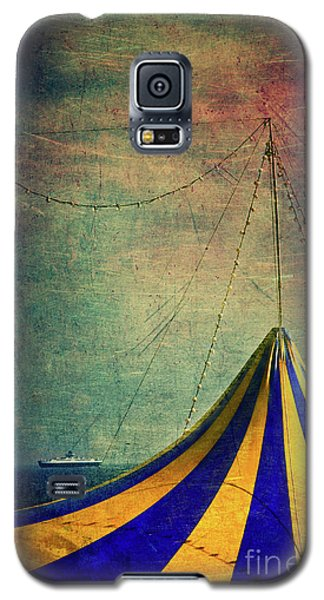 Circus With Distant Ships II Galaxy S5 Case