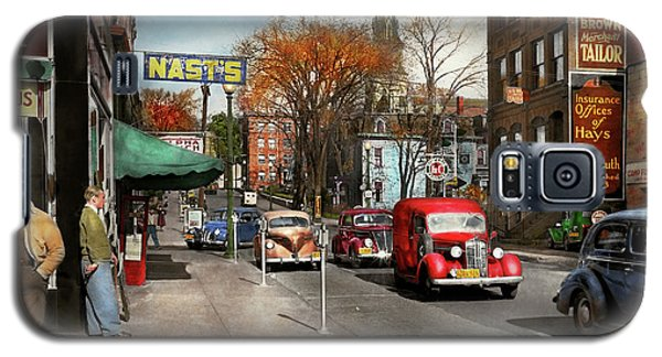 Galaxy S5 Case featuring the photograph City - Amsterdam Ny - Downtown Amsterdam 1941 by Mike Savad