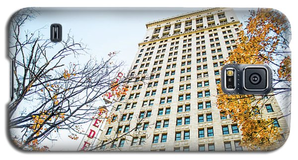 Galaxy S5 Case featuring the photograph City Federal Building In Autumn - Birmingham, Alabama by Shelby Young