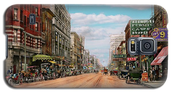 Galaxy S5 Case featuring the photograph City - Memphis Tn - Main Street Mall 1909 by Mike Savad