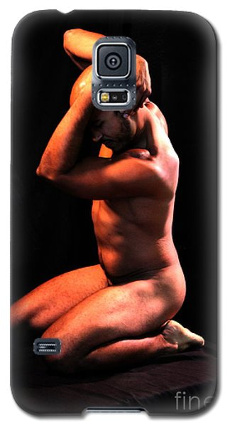 Galaxy S5 Case featuring the photograph Class Pose by Robert D McBain