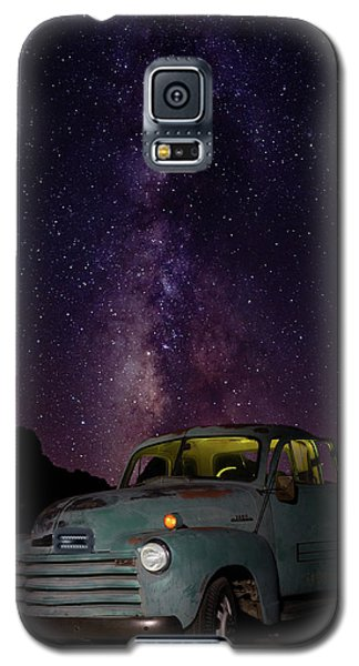 Classic Truck Under The Milky Way Galaxy S5 Case