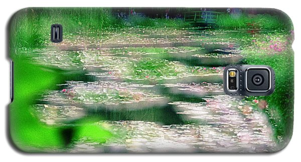 Galaxy S5 Case featuring the photograph Claude Monets Water Garden Giverny 1 by Dubi Roman