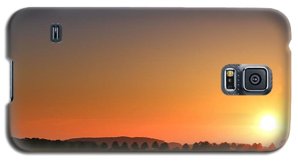 Galaxy S5 Case featuring the photograph Clear Sunset by Franziskus Pfleghart