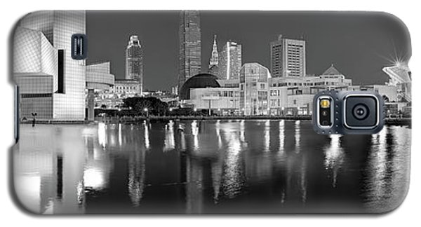 Cleveland Skyline At Dusk Black And White Galaxy S5 Case