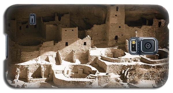 Galaxy S5 Case featuring the photograph Cliff Palace Mesa Verde by Kurt Van Wagner