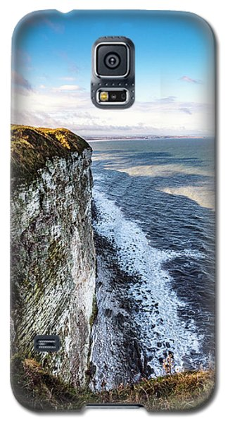 Galaxy S5 Case featuring the photograph Cliffside View by Anthony Baatz