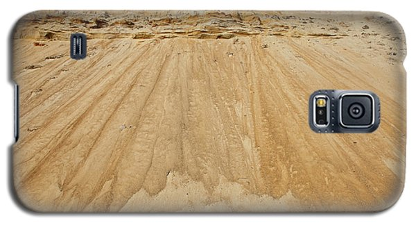 Galaxy S5 Case featuring the photograph Cliffward by Susan Cole Kelly