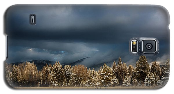 Clinging Clouds Of Winter Galaxy S5 Case