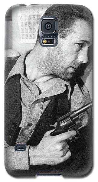 Close-up Up Of Humphrey Bogart As Duke Mantee With Gun The Petrified Forest 1936 Galaxy S5 Case