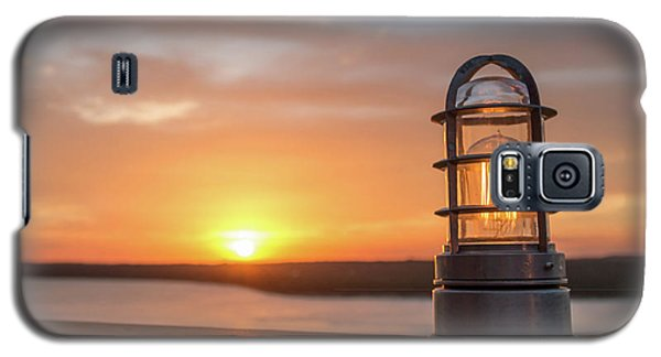 Closeup Of Light With Sunset In The Background Galaxy S5 Case
