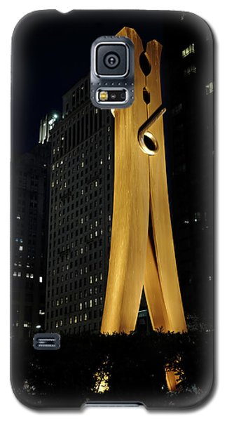 Clothespin At Night - Philadelphia Galaxy S5 Case by Rona Black