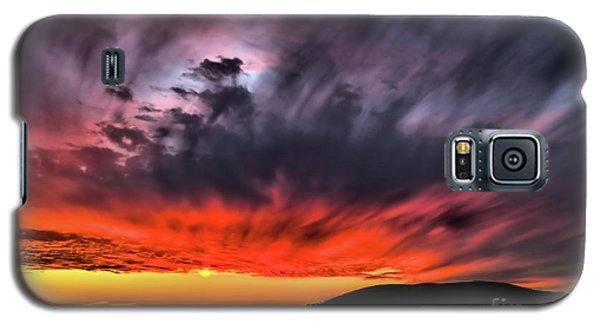 Clouds In Motion Before The Storm Galaxy S5 Case by Vivian Krug Cotton