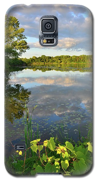 Clouds Mirrored In Snug Harbor Galaxy S5 Case