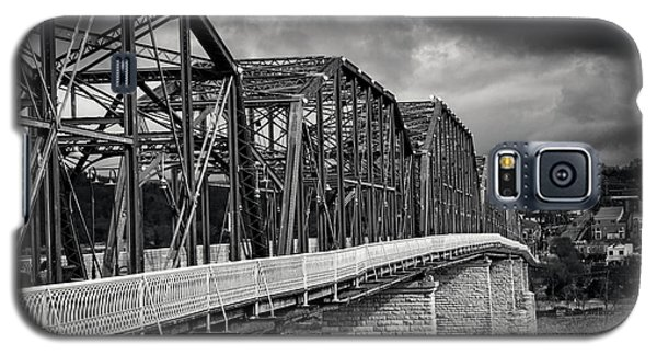 Galaxy S5 Case featuring the photograph Clouds Over Walnut Street Bridge In Black And White by Greg Mimbs