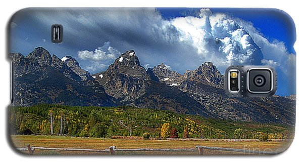 Galaxy S5 Case featuring the photograph Clouds Rising by Diane E Berry