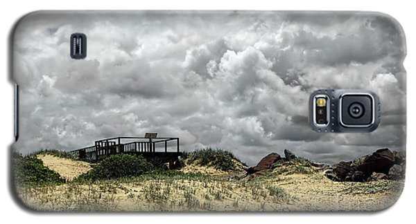 Galaxy S5 Case featuring the photograph Cloudy Beach By Kaye Menner by Kaye Menner