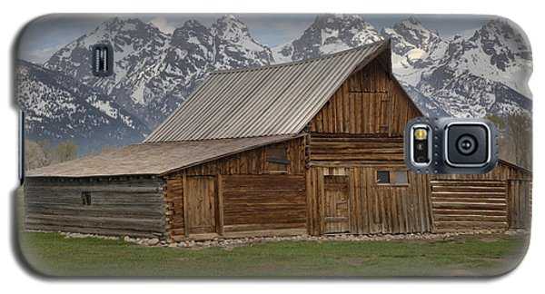 Cloudy Day At The Moulton Barn Galaxy S5 Case by Adam Jewell