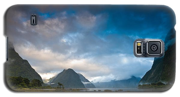 Cloudy Morning At Milford Sound At Sunrise Galaxy S5 Case