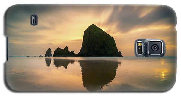 Cloudy Sunset At Cannon Beach Galaxy S5 Case