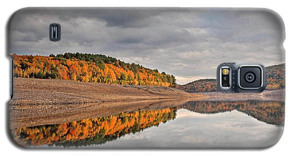 Colebrook Reservoir - In Drought Galaxy S5 Case