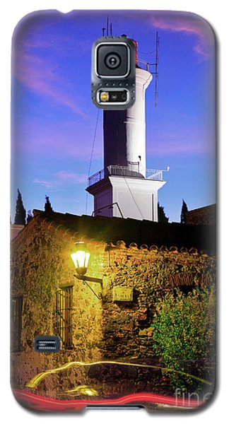 Galaxy S5 Case featuring the photograph Colonia Lighthouse by Bernardo Galmarini