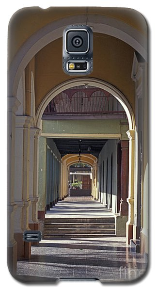 Colonial Arches Granada Nicaragua Galaxy S5 Case by John  Mitchell