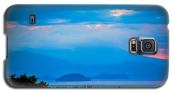 Galaxy S5 Case featuring the photograph Color Over The Lake by Rick Bragan