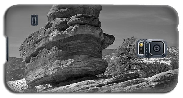 Galaxy S5 Case featuring the photograph Colorado Springs Balanced Rock Black And White by Adam Jewell