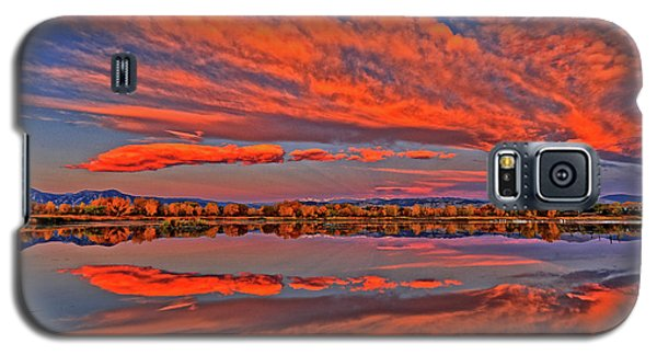 Galaxy S5 Case featuring the photograph Colorful Fall Morning by Scott Mahon