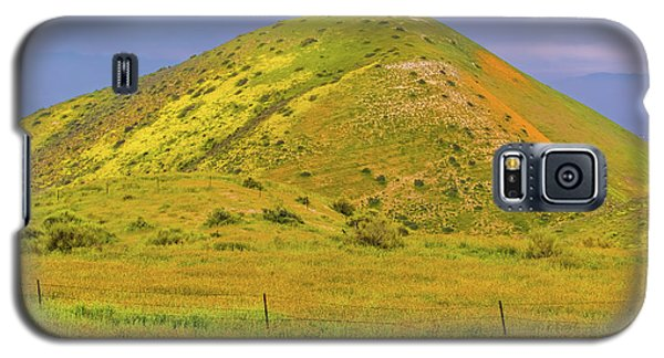 Galaxy S5 Case featuring the photograph Colorful Hill by Marc Crumpler