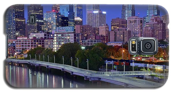 Galaxy S5 Case featuring the photograph Colorful Philly Night Lights by Frozen in Time Fine Art Photography
