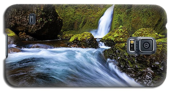 Galaxy S5 Case featuring the photograph Columbia Cascade by Mike Lang