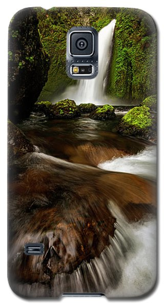Galaxy S5 Case featuring the photograph Columbia Cleft by Mike Lang