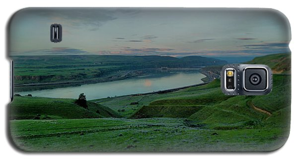 Galaxy S5 Case featuring the photograph Columbia Gorge In Early Spring by Jeff Swan