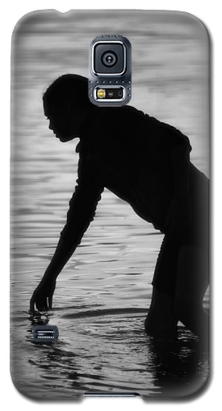 Galaxy S5 Case featuring the photograph Contemplation by Jacqui Boonstra