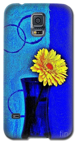 Galaxy S5 Case featuring the photograph Contemporary Gerber by Marsha Heiken