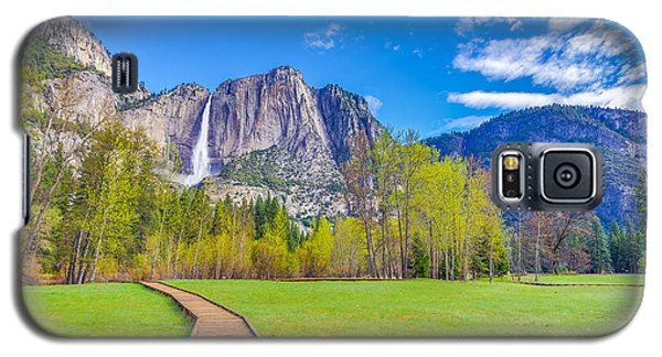 Galaxy S5 Case featuring the photograph Cook's Meadow Yosemite National Park by Scott McGuire