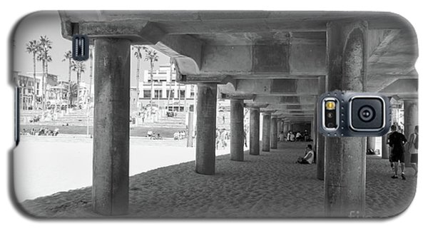 Galaxy S5 Case featuring the photograph Cool Off In The Shade Of The Pier by Ana V Ramirez