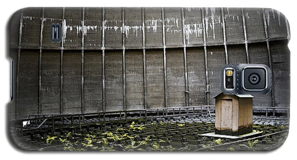 Galaxy S5 Case featuring the photograph Cooling Tower Petit Maison by Dirk Ercken